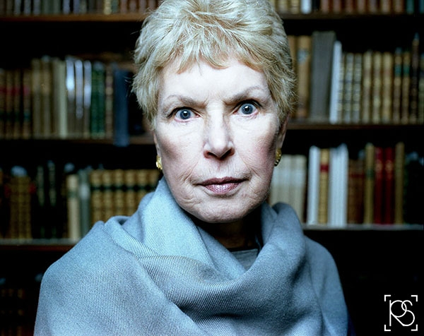 RUTH RENDELL AUTHOR OF MYSTERY AND CRIME NOVELS PICTERED AT CHAWTON HOUSE IN 2003. ©RUSSELL SACH - 0771 882 6138