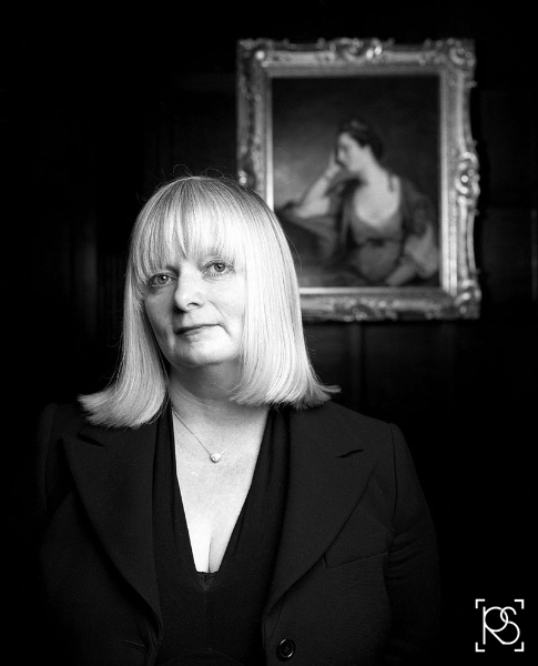 JANICE HADLOW, CONTROLLER OF BBC4 TELEVISION AT CHAWTON HOUSE NEAR ALTON HAMPSHIRE. ©RUSSELL SACH - 0771 882 6138