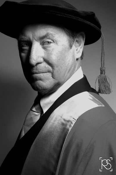 ACTOR JOHN NETTLES WHO PLAYS DETECTIVE CHIEF INSPECTOR TOM BARNABY IN ITV'S MID SUMMER MURDERS, GRADUATED FROM SOUTHAMPTON UNIVERISTY IN 1965 AFTER STUDYING HISTORY AND PHILOSOPHY AND WAS TODAY AWARDED AN HONORARY DEGREE OF DOCTOR OF THE UNIVERSITY. © RUSSELL SACH - 0771 882 6138